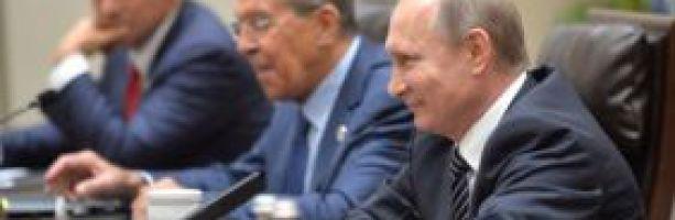 Как Путин оставил Прибалтику носки вязать