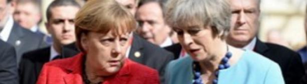 Отказалась жать руку. Меркель публично унизила Мэй