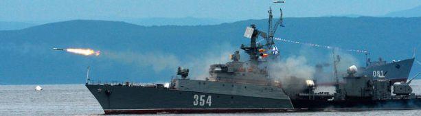 Русский смотрит - НАТОвец дрожит