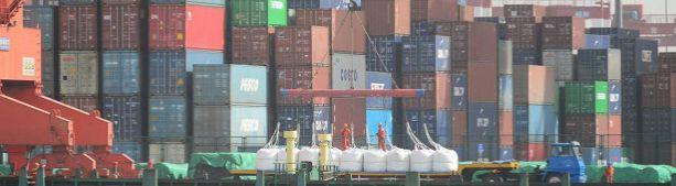 Китайцы призывают бойкотировать продукцию США