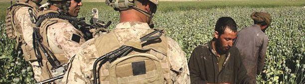 США выводят войска из Афганистана, но как сохранить контроль за наркотрафиком?