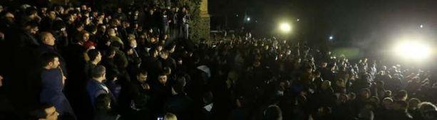 Армянская оппозиция настаивает на выходе Еревана из соглашения по Карабаху